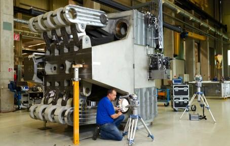 Traker laserowy FARO optymalizuje symetrię maszyn